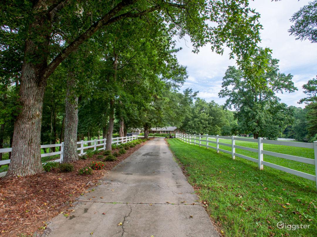 15 Acre Country Estate  Photo 3