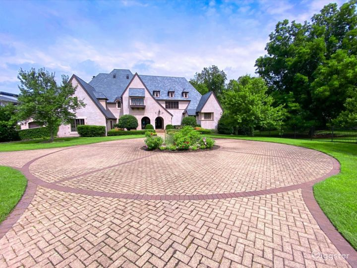 High End Private Mansion Estate with all Amenities Photo 2