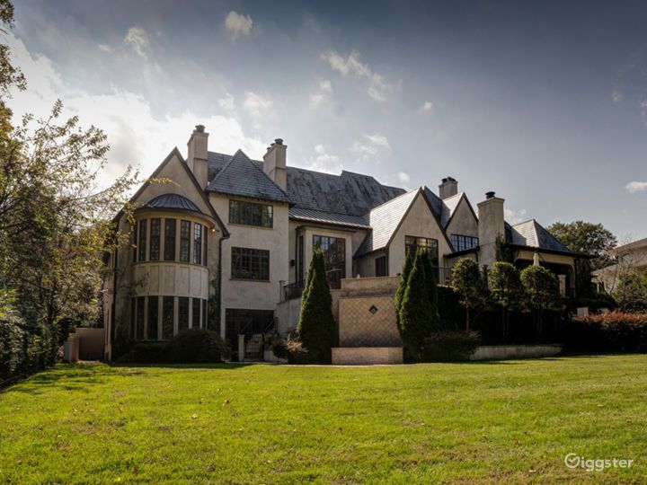 High End Private Mansion Estate with all Amenities Photo 3
