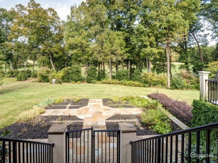 High End Private Mansion Estate with all Amenities Photo 4