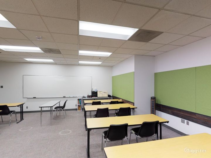 Well-kept and Stylish Classroom in Portland Photo 4