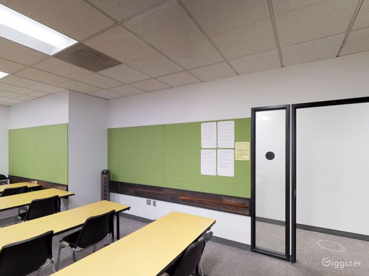 Well-kept and Stylish Classroom in Portland Photo 5