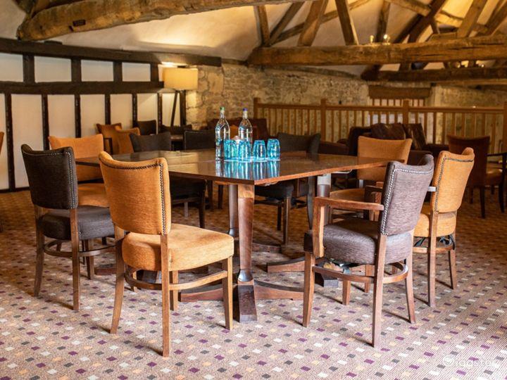 Semi-private Room in Oxford Photo 2