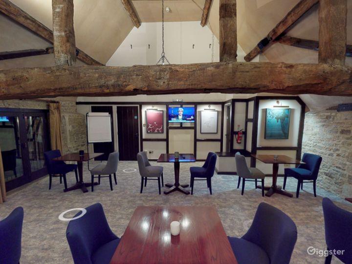Semi-private Room in Oxford Photo 3