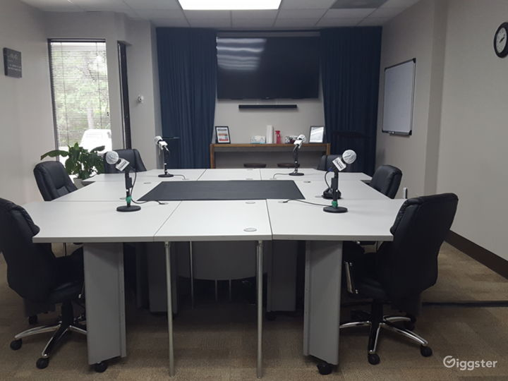 Professional podcast studio with audio engineer included! Just invite your guest and we do the rest!