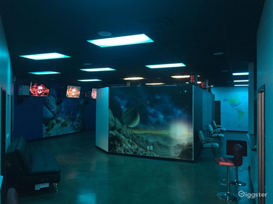 A Big Arcade Space with High Tech Equipment in Downtown Photo 1
