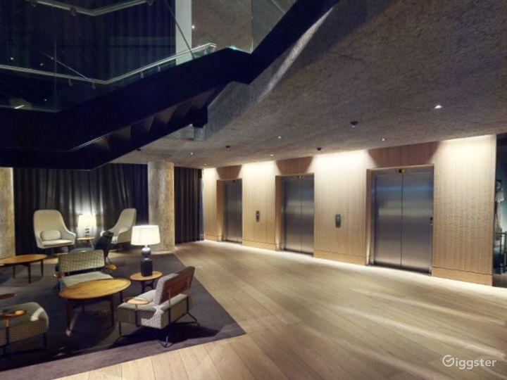Elegant Private Room 17 in Manchester Photo 3