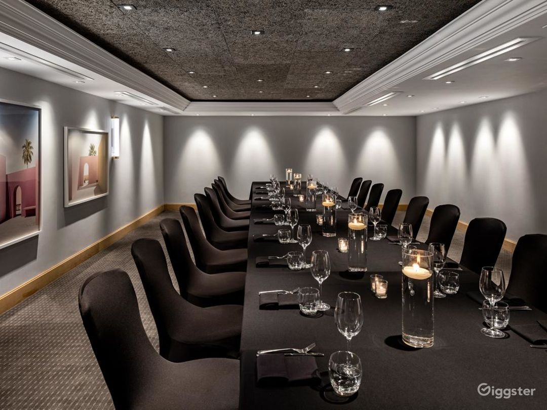 Elegant Private Room 17 in Manchester Photo 1