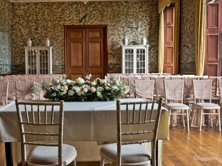 Fascinating Drawing Room in Stafford Photo 5