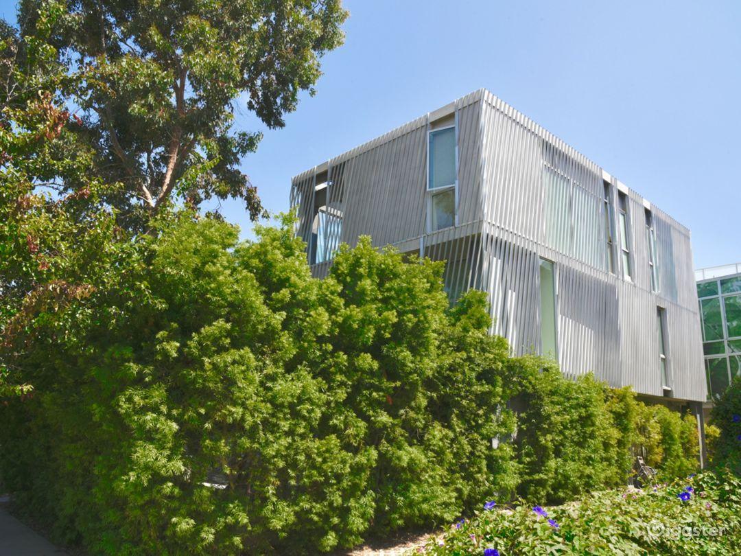 Affordable Ultra Modern Design Santa Monica Home Photo 1