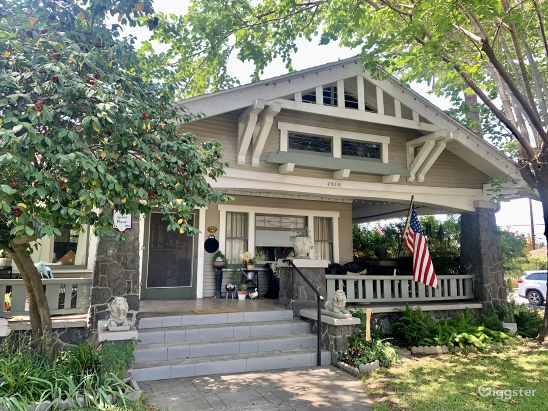 1913 Craftsman house located in LaVerne CA front porch