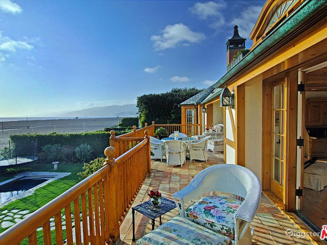 Oceanfront Spectacular Country English Estate  Photo 3