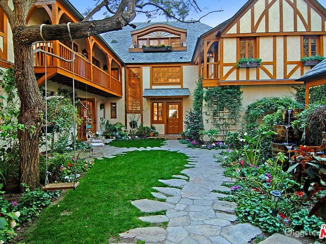 Oceanfront Spectacular Country English Estate  Photo 2