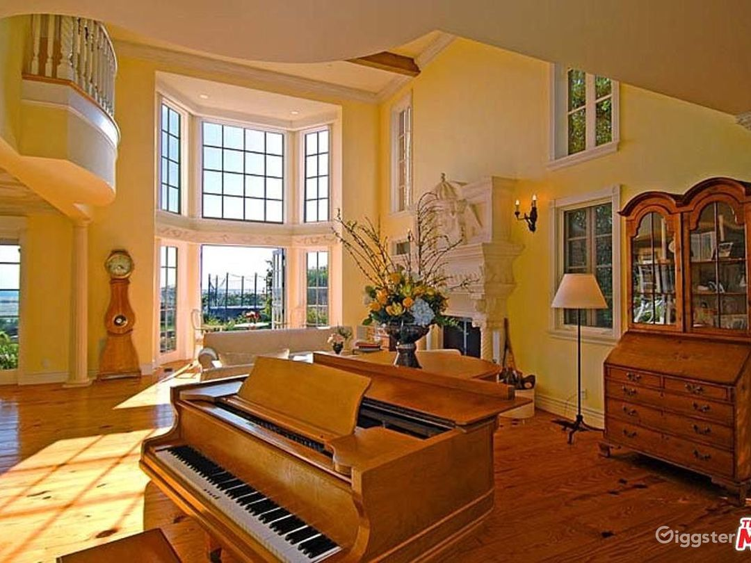 Oceanfront Spectacular Country English Estate  Photo 5
