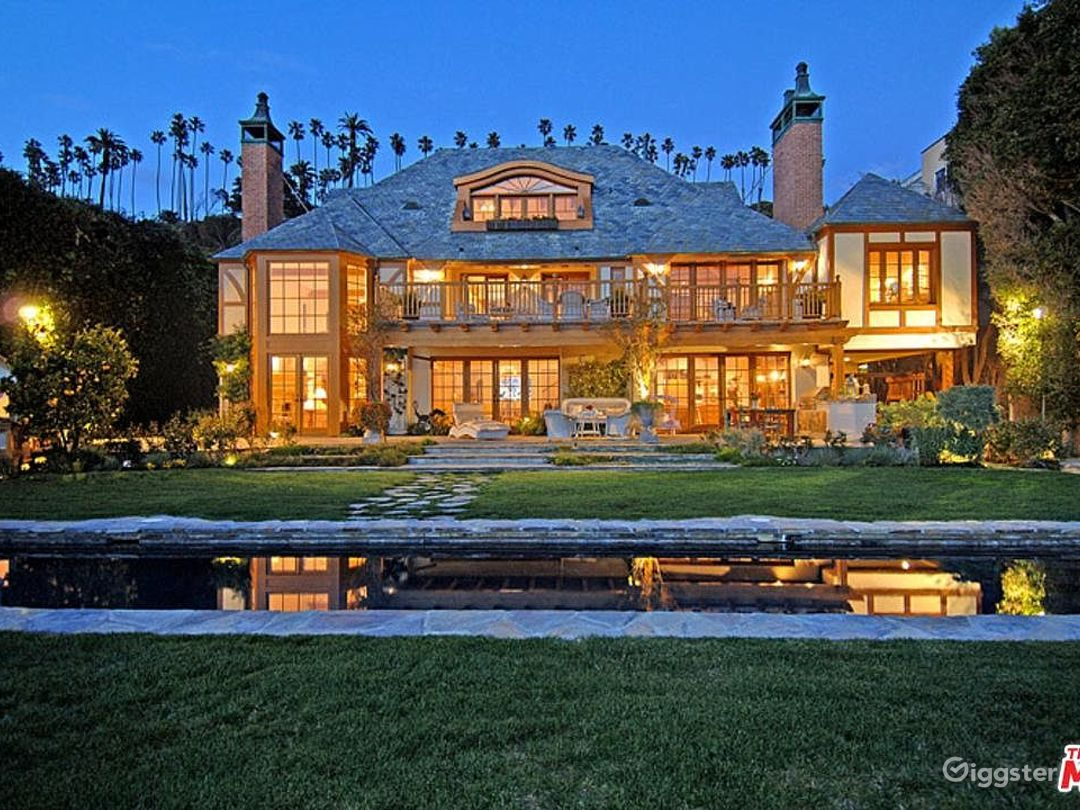 Oceanfront Spectacular Country English Estate  Photo 1