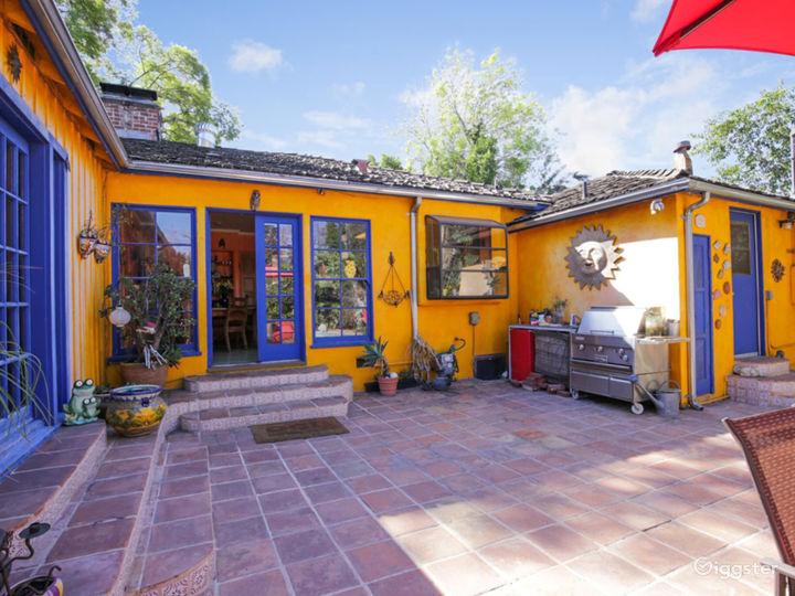 Colorful House, huge backyard & stunning Pool!  Photo 2