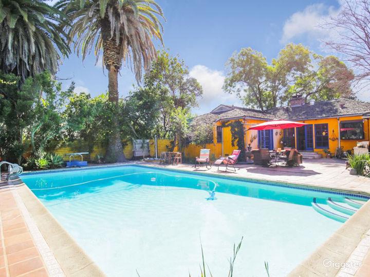 Colorful House, huge backyard & stunning Pool!  Photo 3