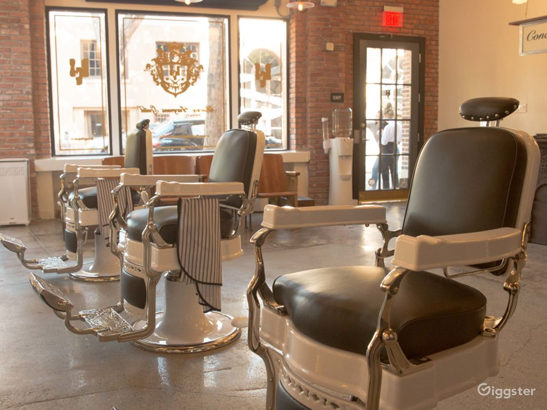 Classic Luxury Barbershop Photo 1