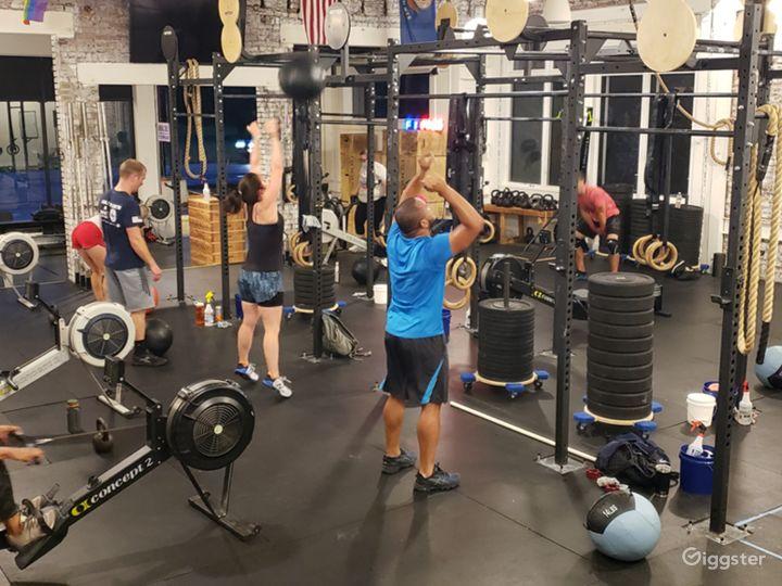 Spacious Fitness Center Photo 4