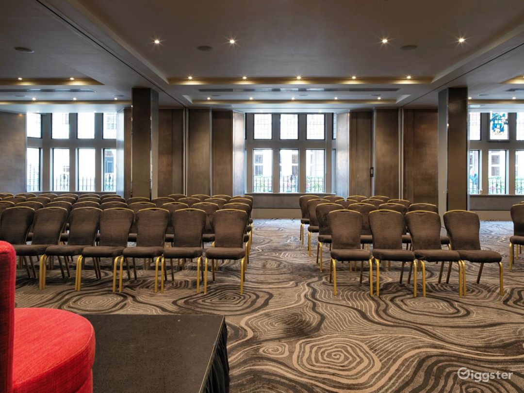Glamorous Conference Room in Bloomsbury Street, London Photo 1