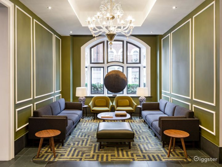 Glamorous Conference Room in Bloomsbury Street, London Photo 2