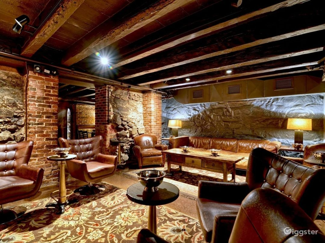 Portsmouth Cigar Lounge Area Photo 1
