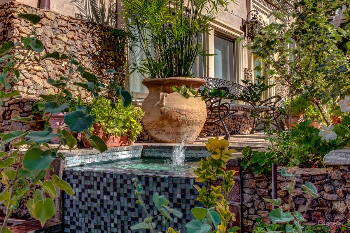Rent Iconic Hollywood Hills Estate Mansion or Estate (residential ...