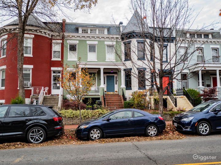 Transitional Contemporary Rowhouse on Capitol Hill