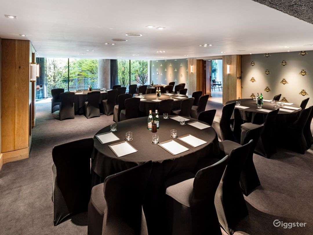 Stylish Private Room 4 with Private Bar in Manchester Photo 1