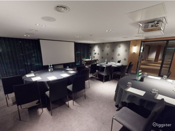 Stylish Private Room 4 with Private Bar in Manchester Photo 2