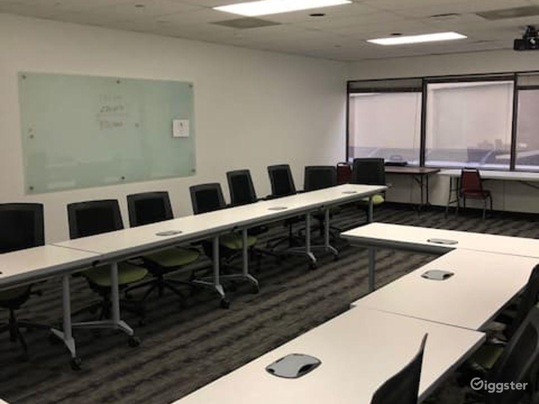 Airy Training Room in Dallas Photo 1