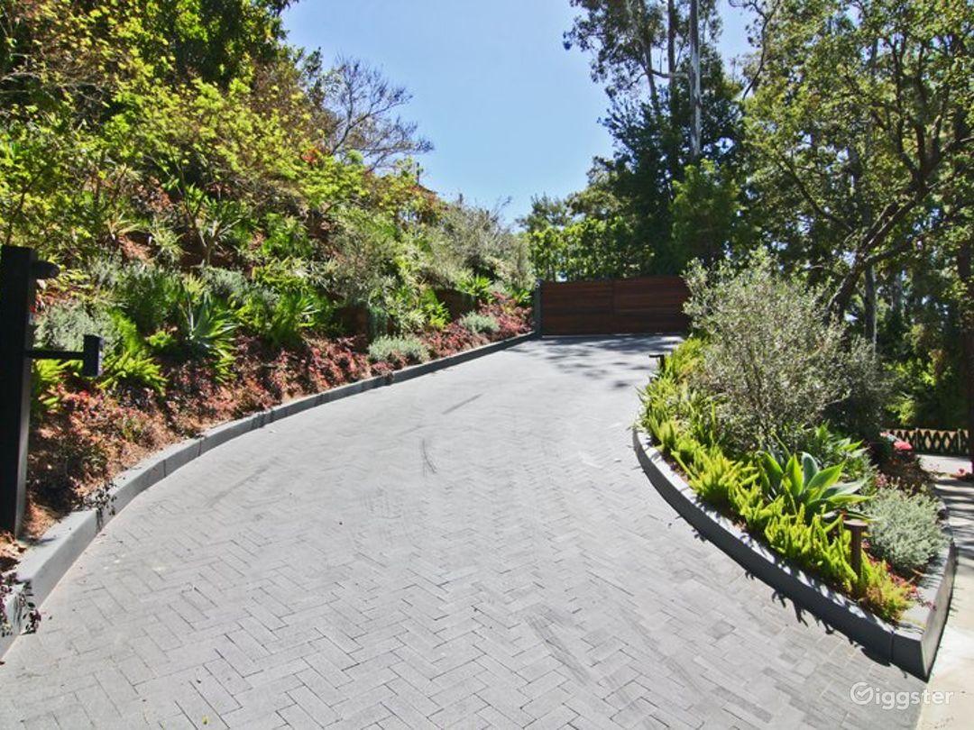 Modern Beverly Hills Home 3501 Photo 2