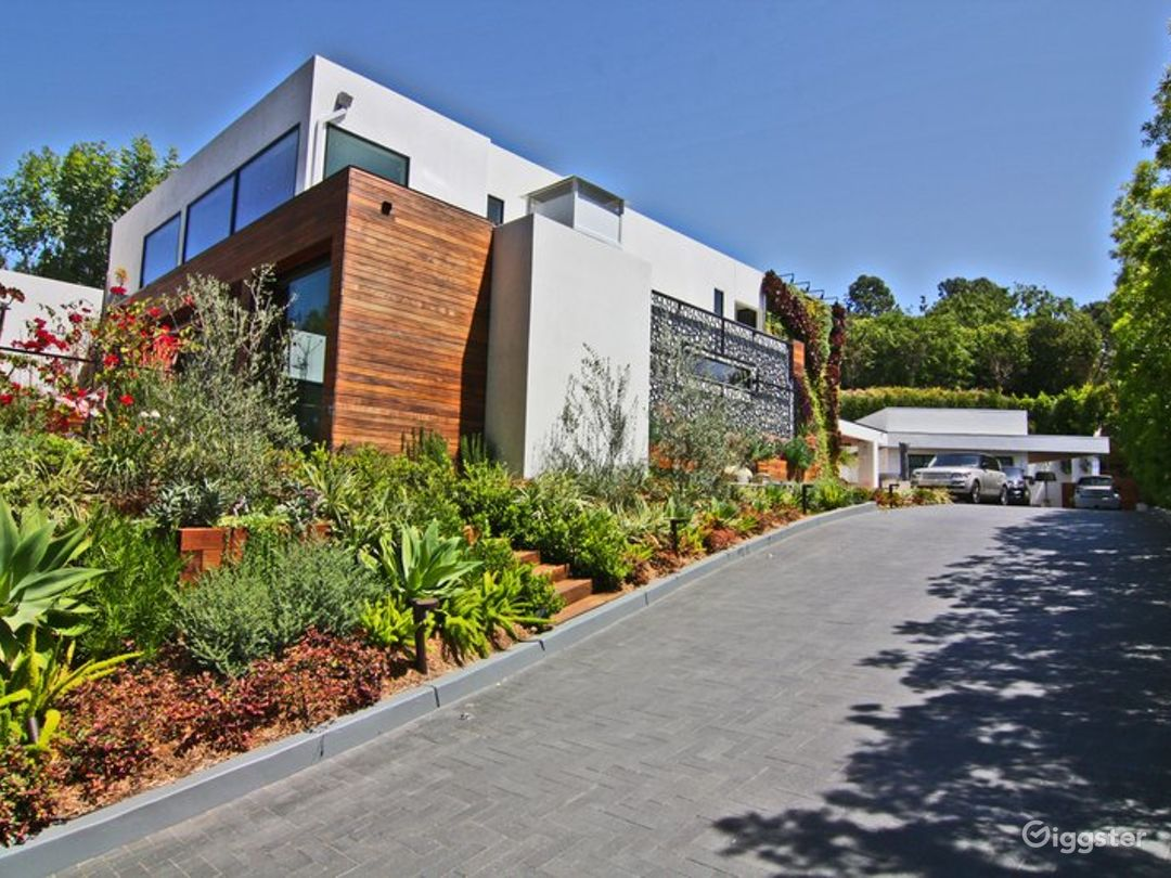Modern Beverly Hills Home 3501 Photo 1