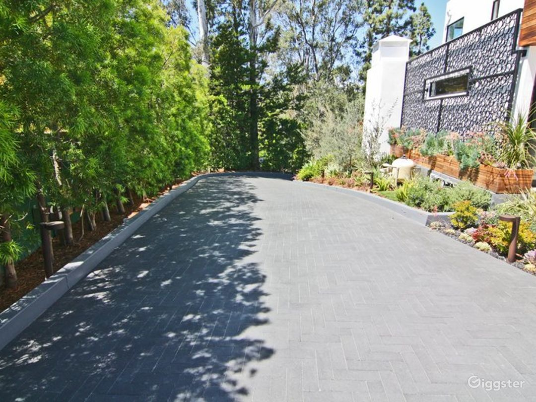 Modern Beverly Hills Home 3501 Photo 5