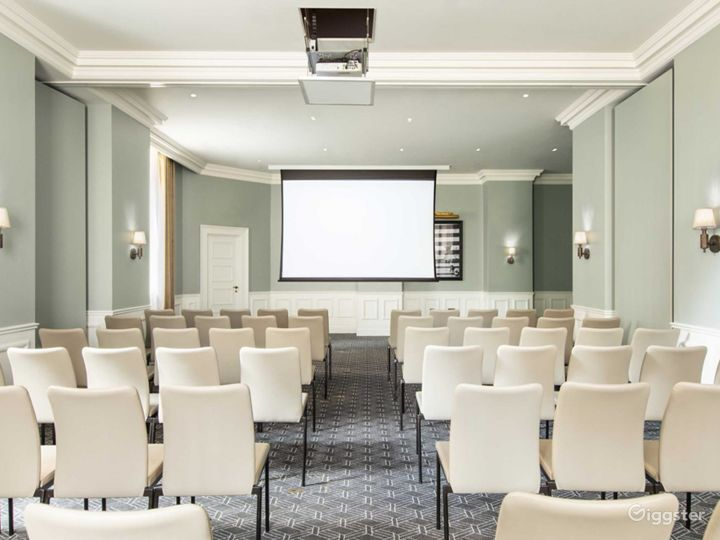Bright Large Event Space in Bloomsbury, London Photo 2
