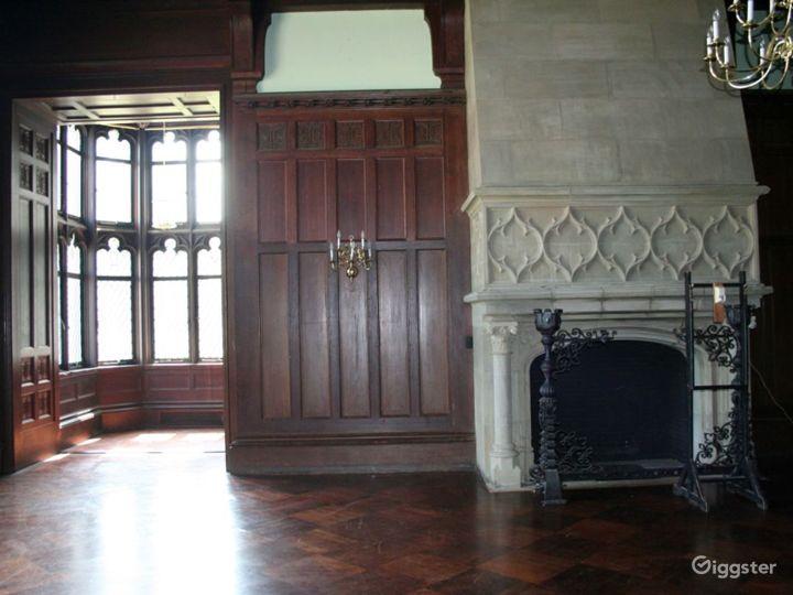 Large historic manor home: Location 1931 Photo 5