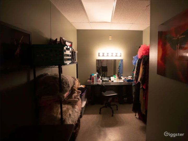 Dressing/Makeup Room. Separate room for privacy and lighting.