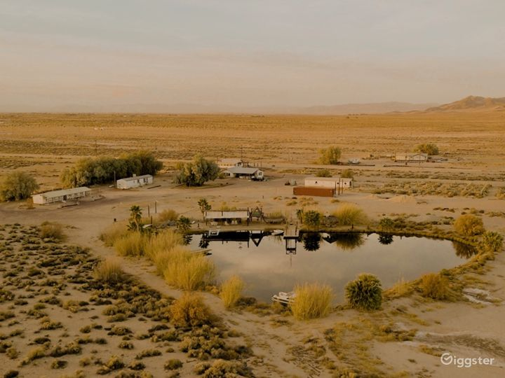 80 acre desert ranch with dry lake bed and accomos