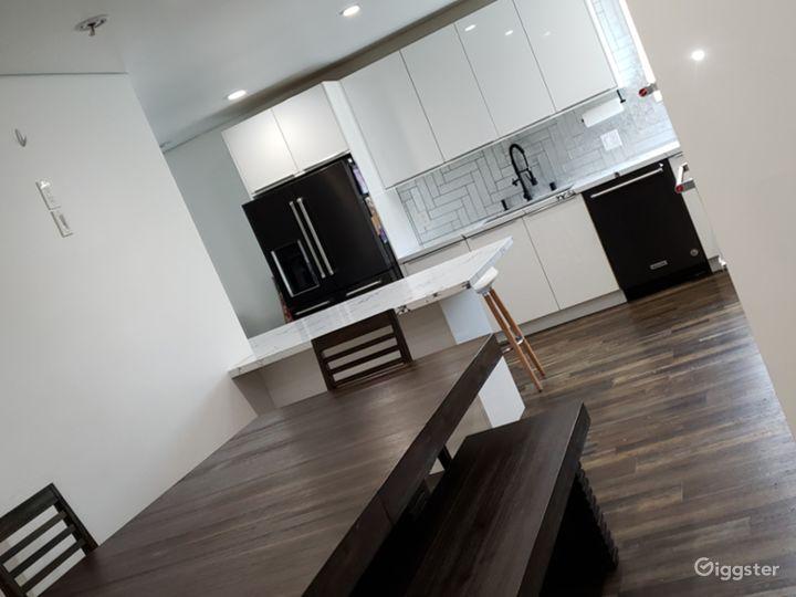 Recently remodel open floor mid century modern  Photo 3