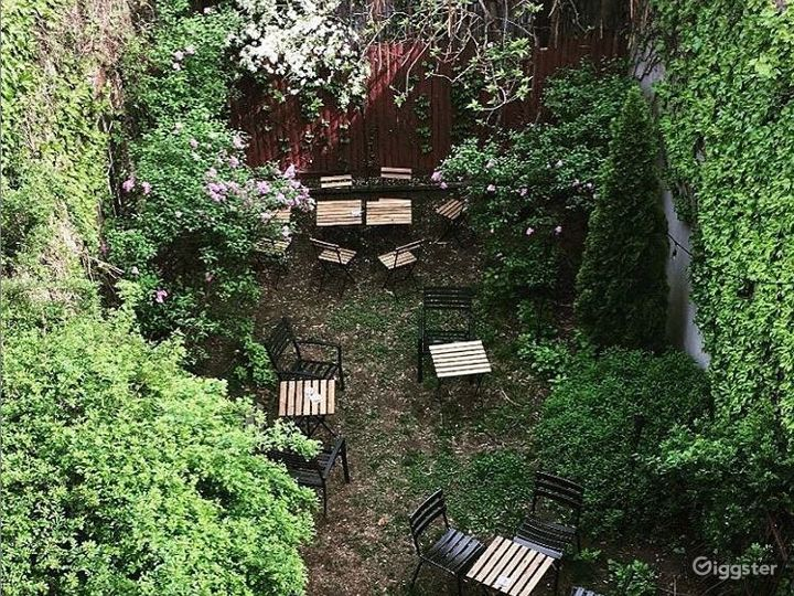 Cozy Backyard Setting Framed with Brick and Ivy in Brooklyn Photo 5