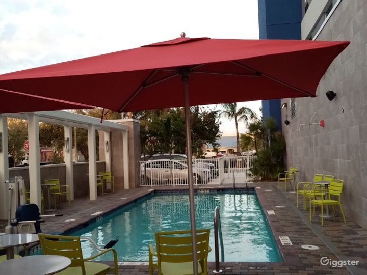 Beautiful Pool-side Area in Doral Photo 2