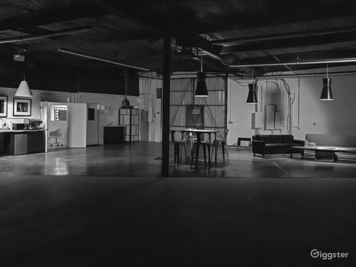 Spacious Orange County Studio with a 60' Cyc, Amen Photo 2