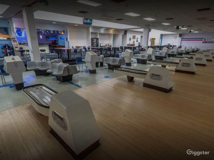 Spacious Bowling Lanes in Tucson Photo 5