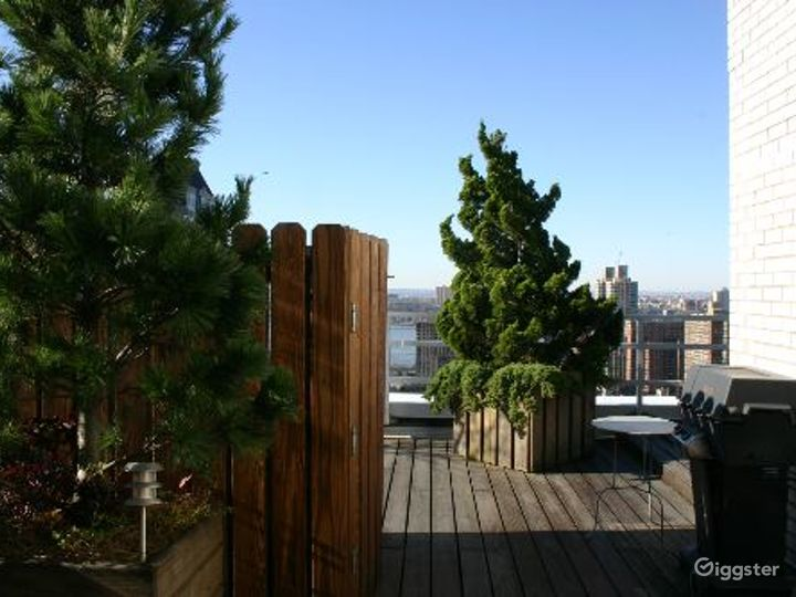 Upper west side apartment: Location 4133 Photo 3
