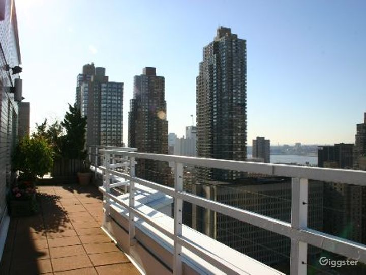 Upper west side apartment: Location 4133 Photo 2
