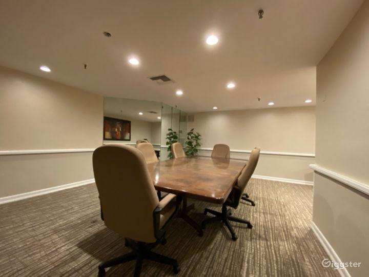 Magnificent Meeting Room Venue Photo 3
