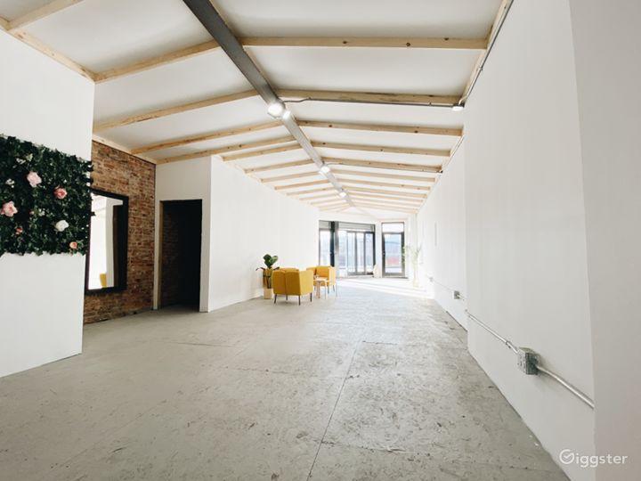 Bright, private, industrial studio  Photo 4