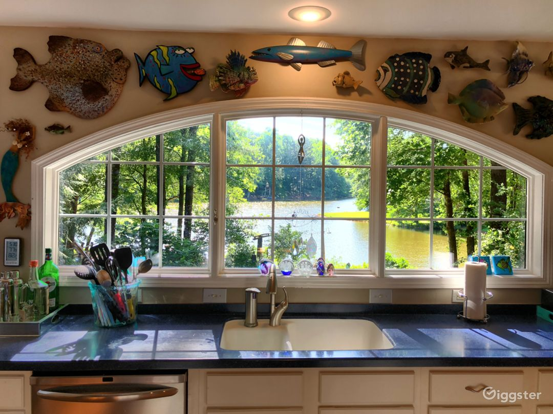 Stunning Home with Lake View Photo 3