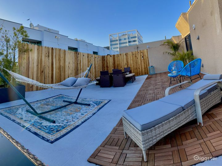Best Open Roof Top View- PENT HOUSE HOLLYWOOD Photo 2