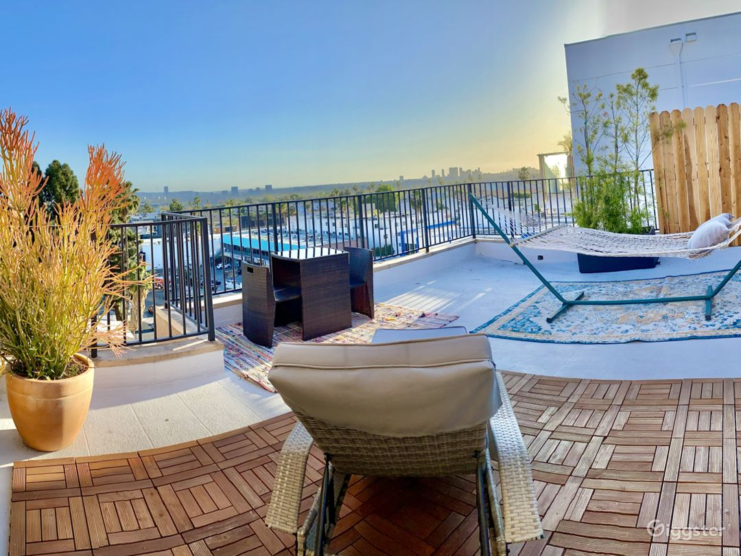 Best Open Roof Top View- PENT HOUSE HOLLYWOOD Photo 1
